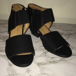 Strappy Open toe shoes black Vegan leather 9.5M